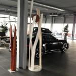 Skulpter, Stele aus Holz, Spirale des Lebens, Porschezentrum Schwarzwald Baar